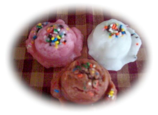 6 Small Ice Cream Scoops Sprinkles
