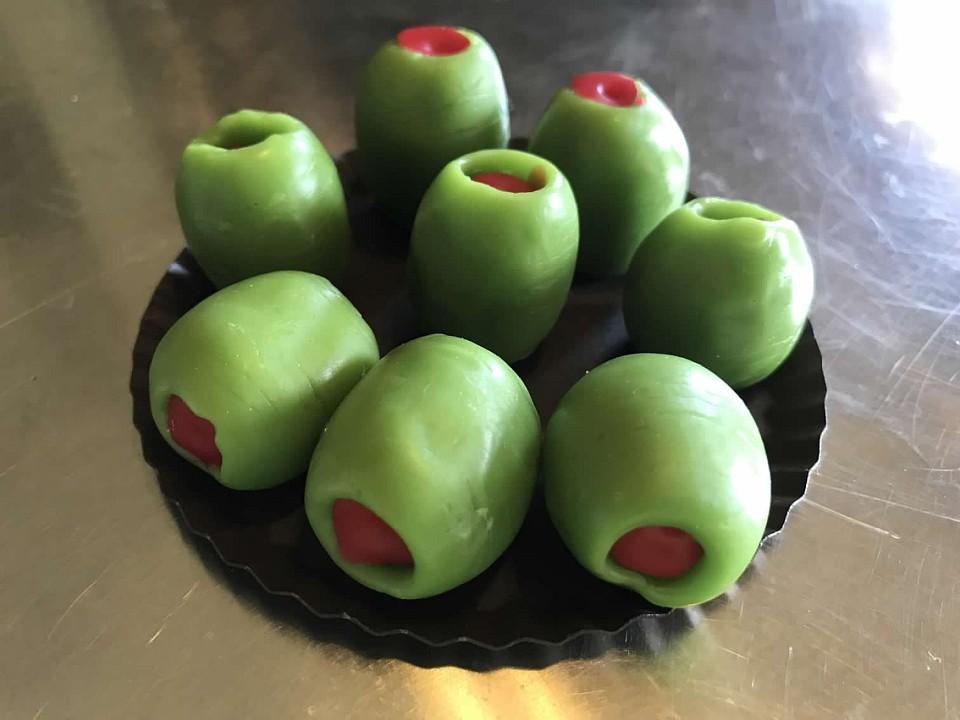 15 Wax Olives