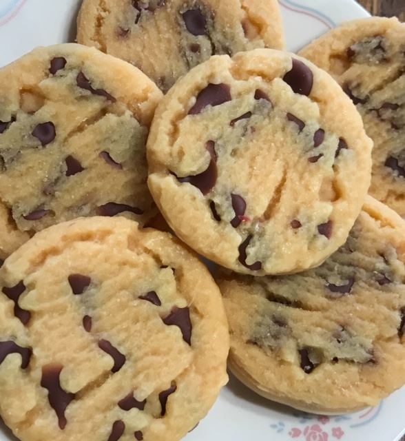 6 - Large wax chocolate chip cookies