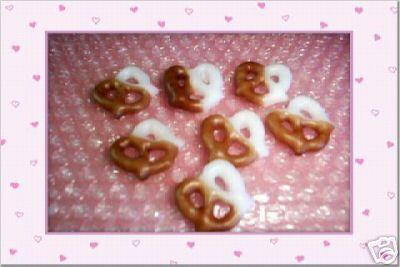 25 Chocolate Mini Pretzels