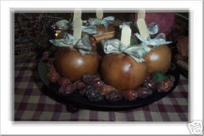 4 Cinnamon Dipped Primitive/Vintage Apples