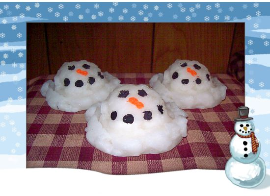 3 LARGE MELTING SNOWMEN