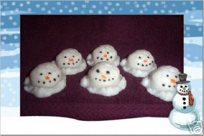 6 SMALL MELTING SNOWMEN